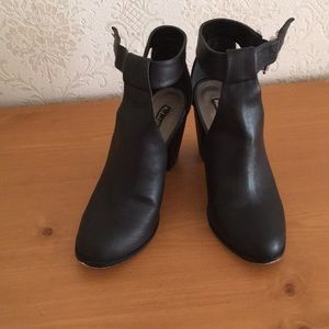 Ankle boots,size 8